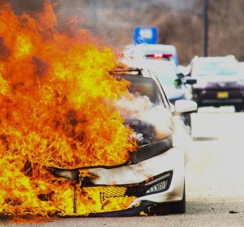 Ini Cara Cegah Mobil Terbakar